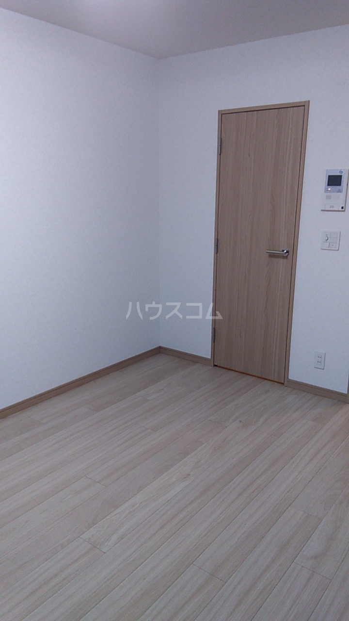 ルーブル西蒲田参番館 506号室のリビング