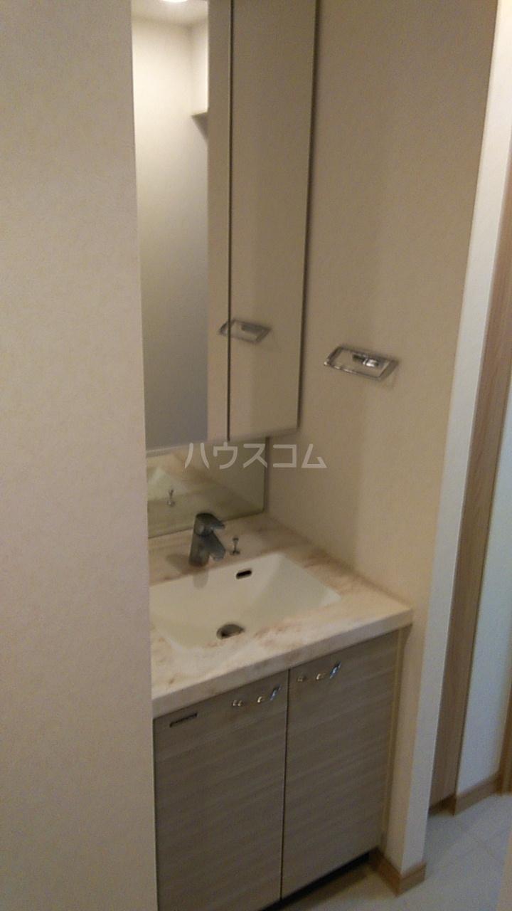 ルーブル西蒲田参番館 506号室の洗面所