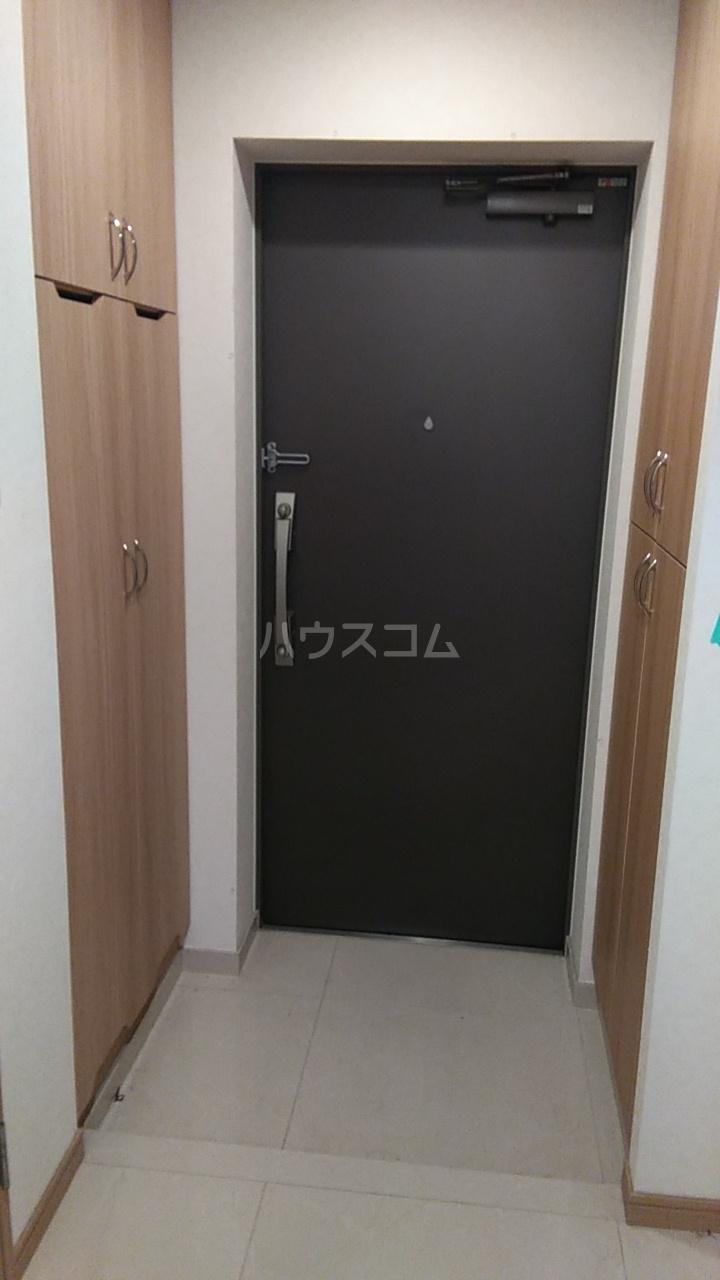 ルーブル西蒲田参番館 506号室の玄関