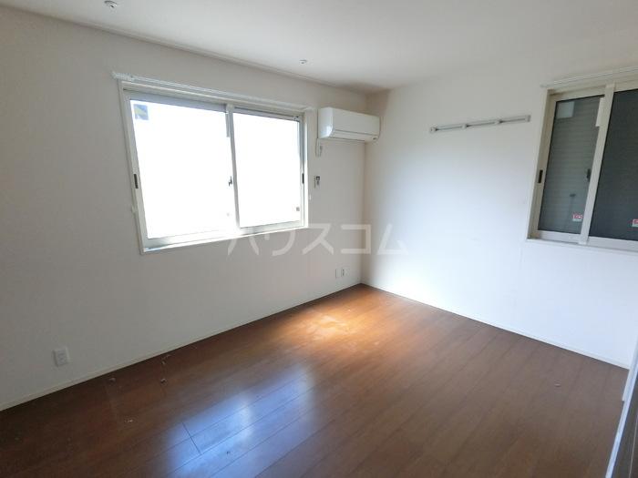 コレクトガーデン 101号室の居室