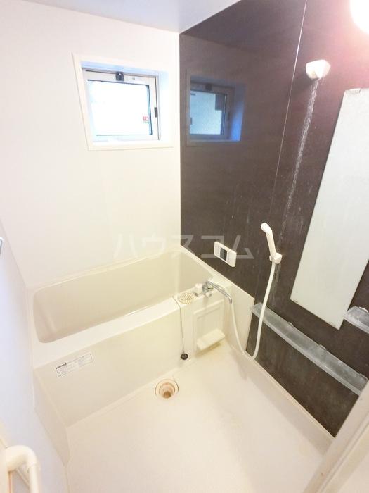 コレクトガーデン 101号室の風呂