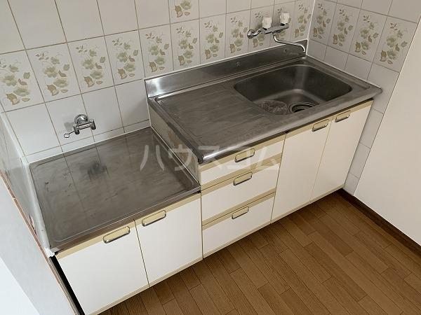 クリフ若木Ⅱ 201号室のキッチン