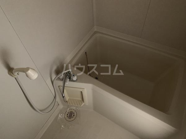 クリフ若木Ⅱ 201号室の風呂