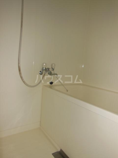 ハイツ・弥生 301号室の風呂