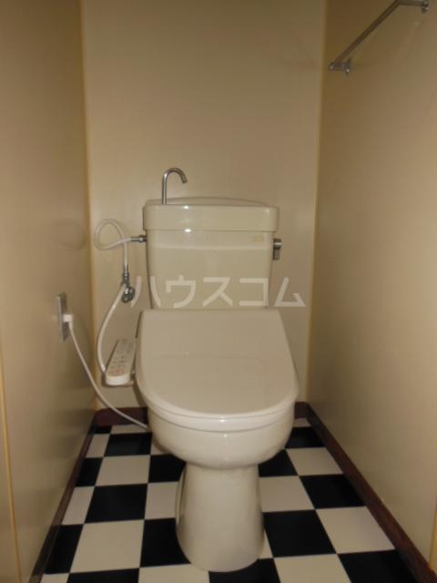 ハイツ・弥生 301号室のトイレ