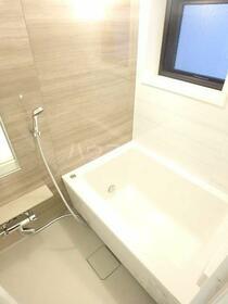 ベイサイドレジデンス桜木町 201号室の風呂