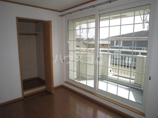 ラフレシールA 02010号室の居室