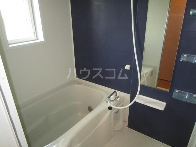 エンブレム ラビット 01020号室の風呂