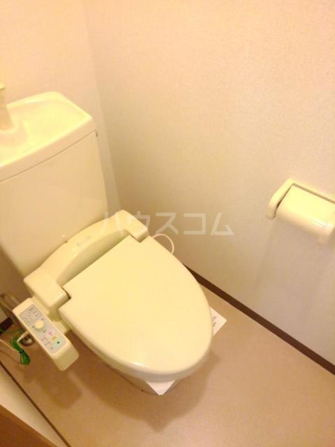 ロマネスクローズ A 02010号室のトイレ