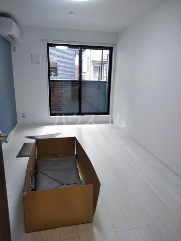 グランクオール梅島二丁目 103号室のリビング