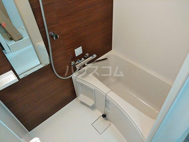 グランクオール梅島二丁目 103号室の風呂