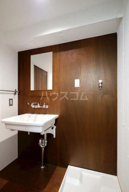 ハイネス第2巣鴨 101号室の洗面所