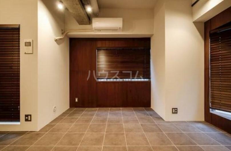 ハイネス第2巣鴨 101号室の居室