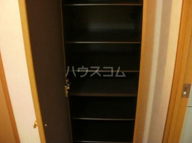 メゾンクラッソ 203号室の玄関