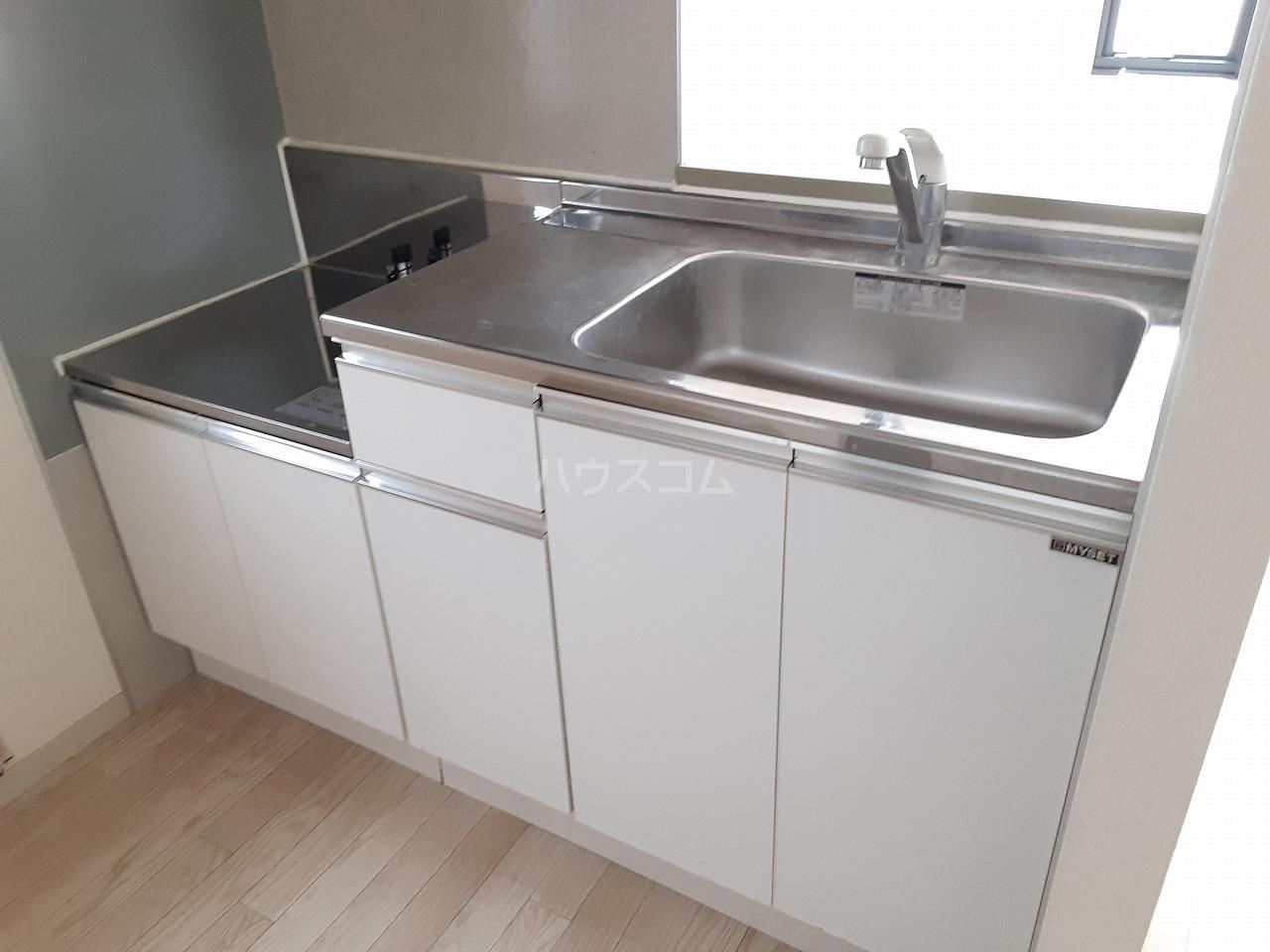 エメロード 102号室のキッチン