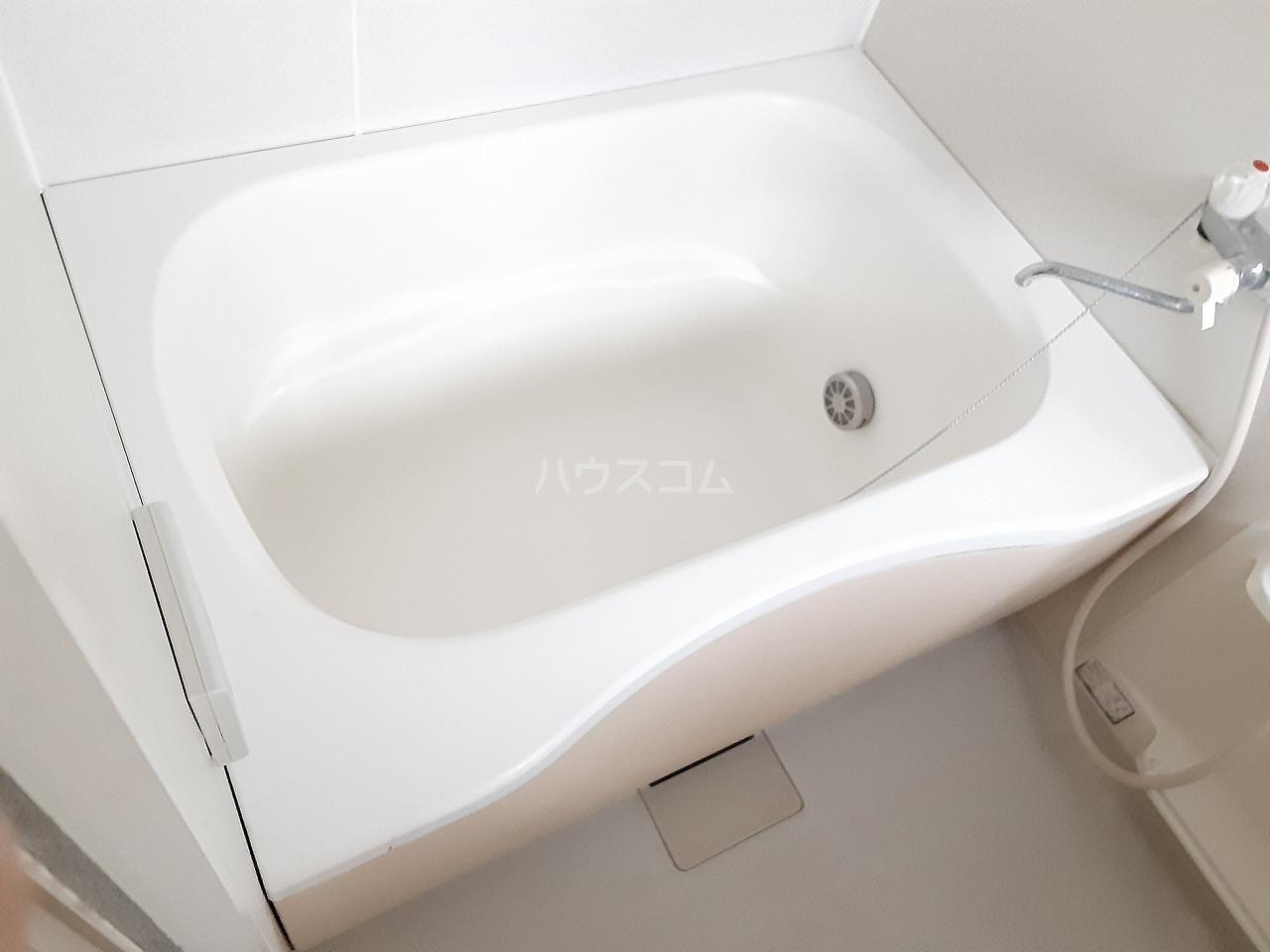 エメロード 102号室の風呂