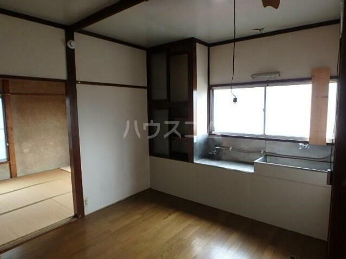 佐々木アパート 201号室のリビング