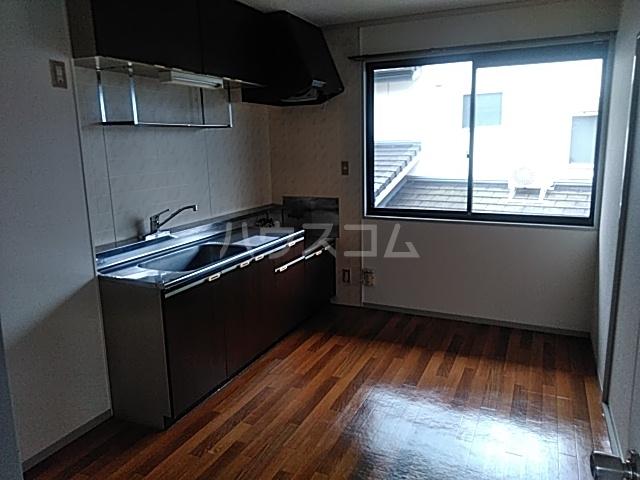 アーバンライフ横落 B 201号室のキッチン
