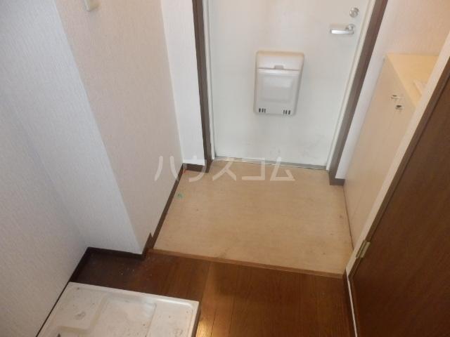 プリマベーラ伊勢宿 312号室の玄関