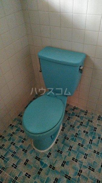 高里アパート 201号室のトイレ
