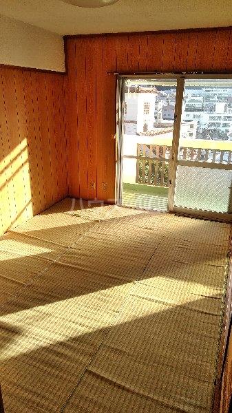 高里アパート 201号室のベッドルーム
