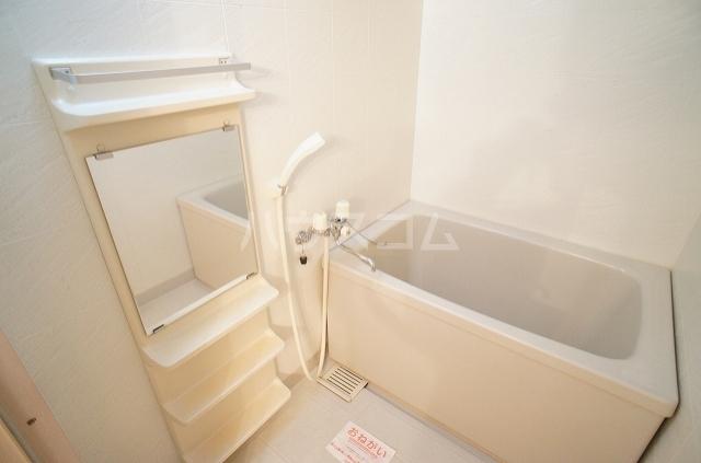コンフォート2 01010号室の風呂