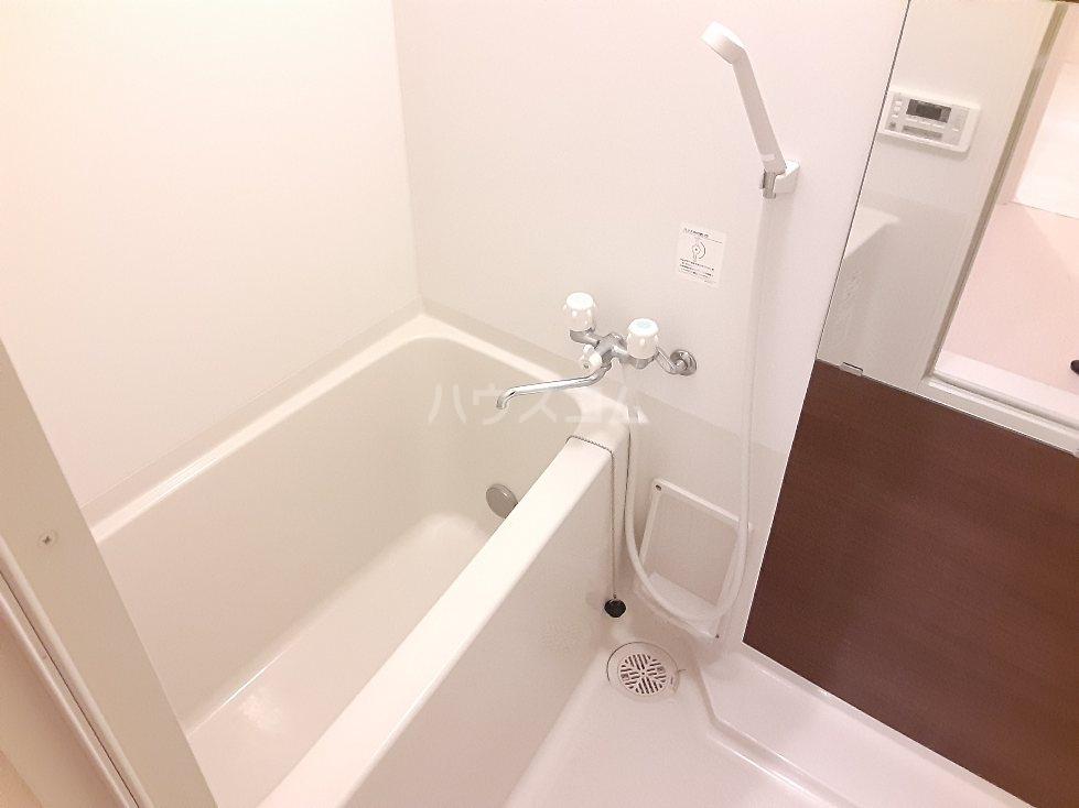 フローライト日吉 202号室の風呂