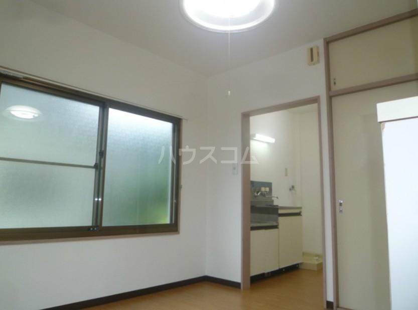 メントハウス富士見 205号室のリビング