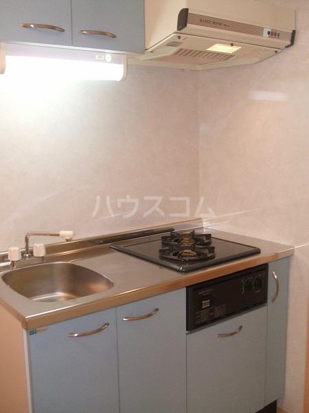 レジデンシャルCUBE日吉本町 201号室のキッチン