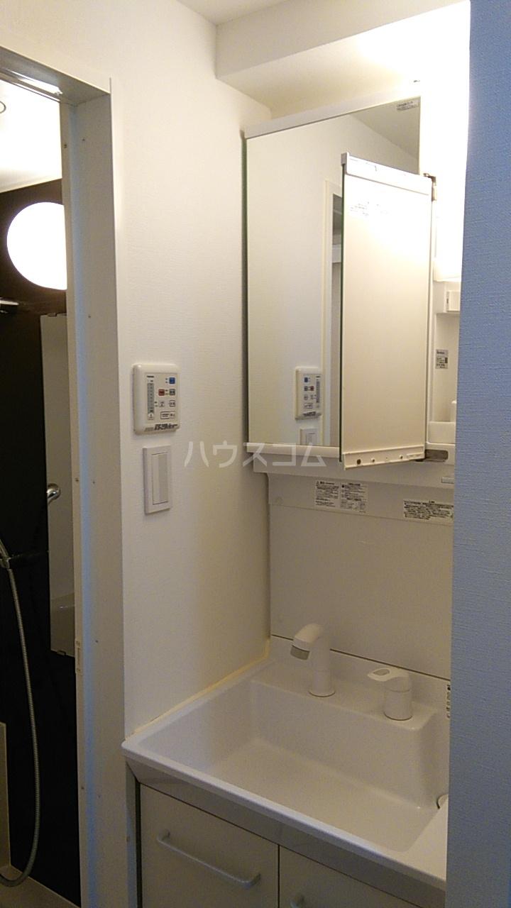 ベルシード池袋本町 808号室の洗面所