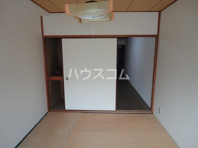 レジデンス桂 202号室の洗面所
