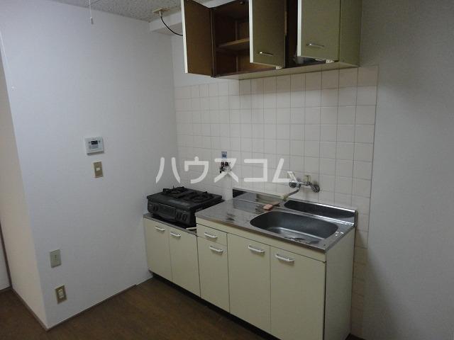 レジデンス桂 202号室のキッチン