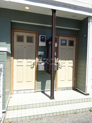 エスポワール大井A 01010号室のエントランス