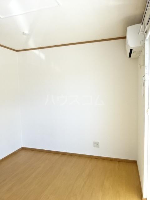 エスポワール大井A 01010号室のリビング