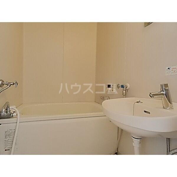 フォーブル蟹江 201号室の風呂