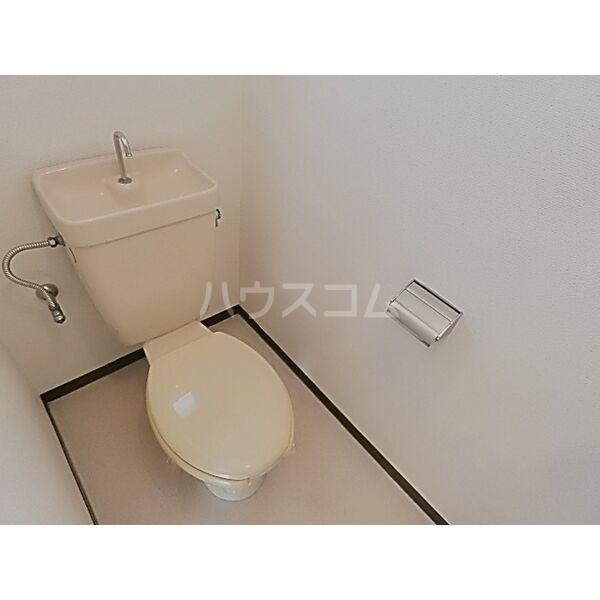 フォーブル蟹江 201号室のトイレ