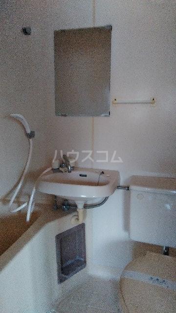 ウエストヒルズ宮代 205号室の洗面所
