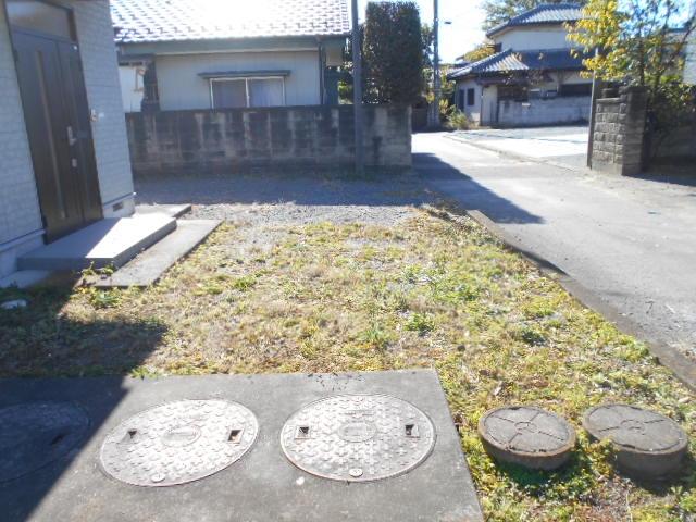 グリーンハウス田部井5号棟の駐車場