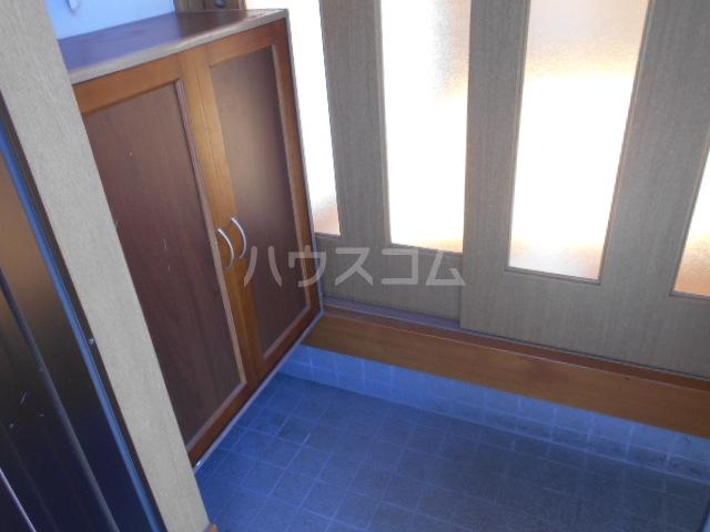 グリーンハウス田部井5号棟の玄関