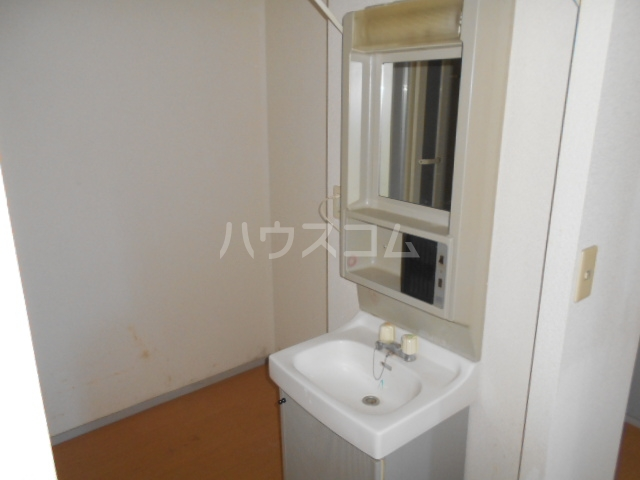 ヴァルール・N 103号室の洗面所
