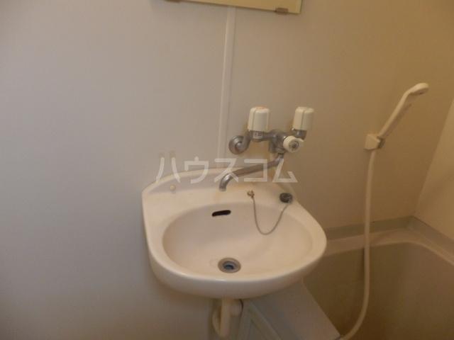 プリマベーラ伊勢宿 210号室の洗面所