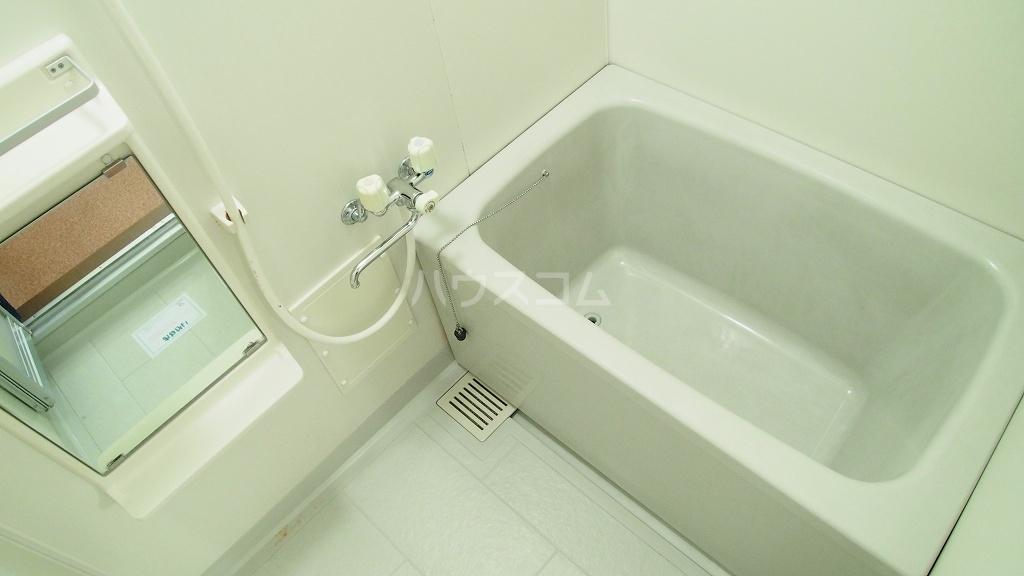 プランタン長谷部A 01030号室の風呂