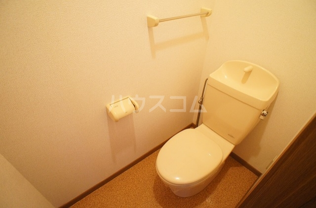 ブレッザA 01030号室のトイレ