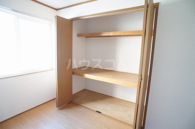 ブレッザA 01030号室の収納