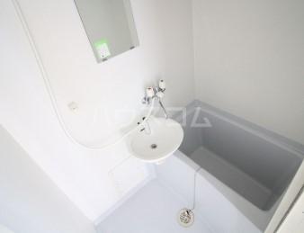 プレール荻窪弐番館 304号室の洗面所