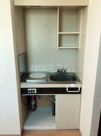 メゾンタナカ 301号室のキッチン