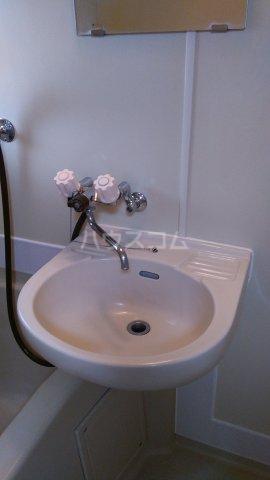ビューラーオークボB棟 102号室の洗面所