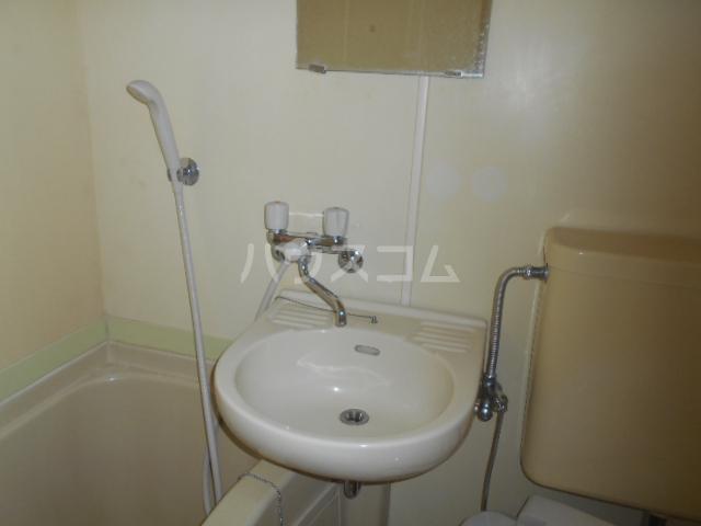 第二吉田コーポ 206号室の洗面所