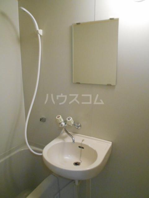 メゾンロレーヌ 201号室の洗面所