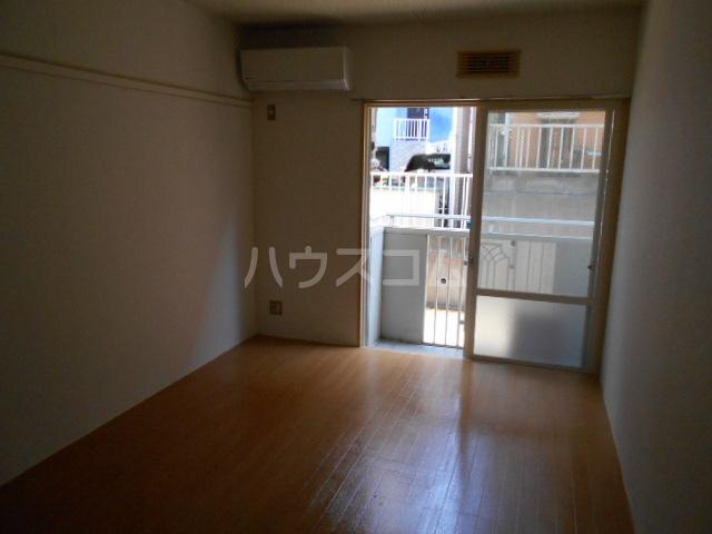 メゾンロレーヌ 201号室のトイレ